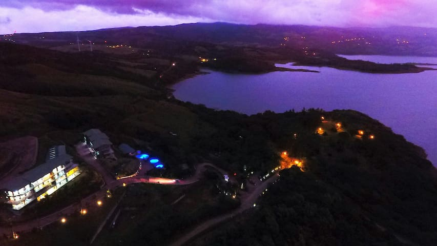PENTHOUSE AMAZING VIEWS LAKE ARENAL - Provincia de  - Apartamento