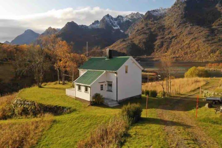 Lofoten,  vacation house in Raftsundet