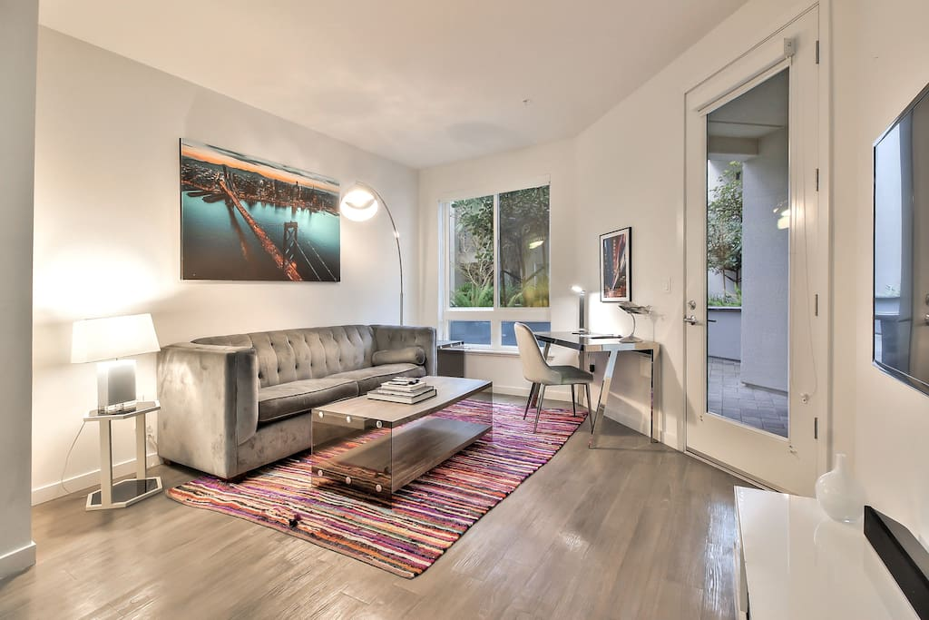 """Living Area with 48"""" Tv + WiFi + Bluetooth Sound"""