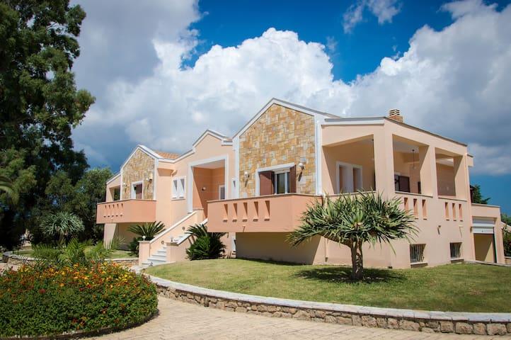 Leone Luxury Villas - Kalamaki - Villa