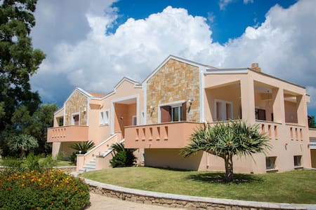 Leone Luxury Villas - Kalamaki - Willa