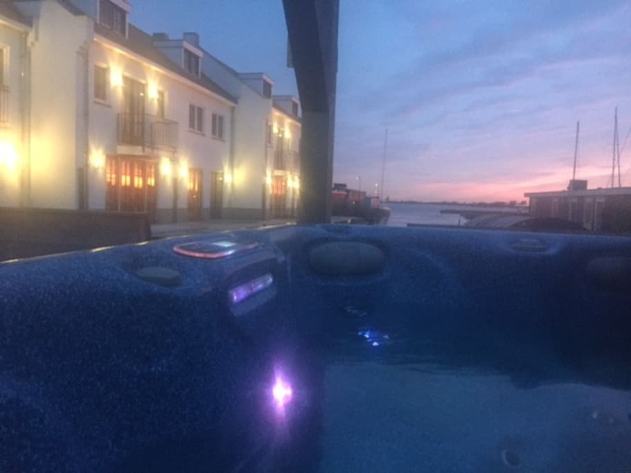 Outside Jacuzzi and Sauna from Oktober until end of March