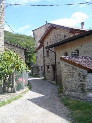 Albergo diffuso Casa delle Favole - Perotti - Rumah
