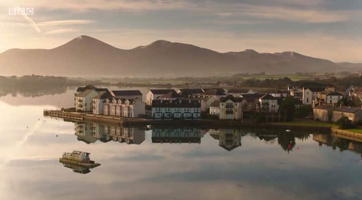 Stay On The Bay, Dundrum, amazing mountain views