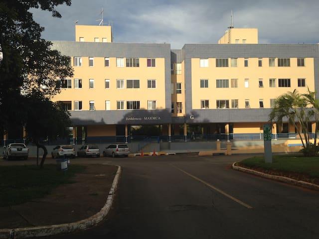 Apto excel 2 qts+1 empreg 402 norte - Brasília - Lakás