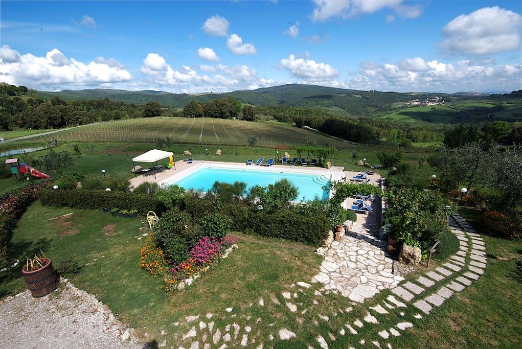 Vista piscina e panorama