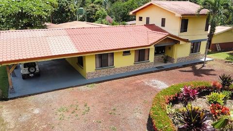 La Fortuna Green Gardens House Private Property