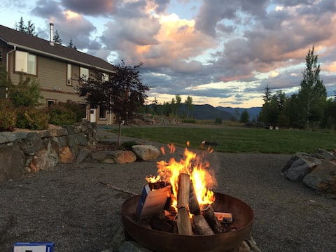 Private 2 bdrm with Shuswap Lake & mntn views, BC