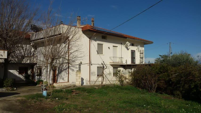 FATTORIA ZITUMASSE APICOLTURA AGRITURISMO