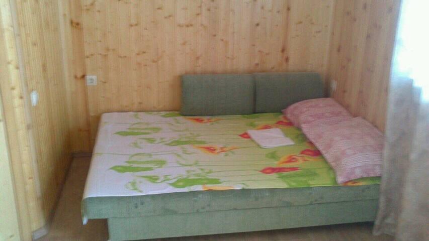 Раскладной диван в 3-4местном номере.