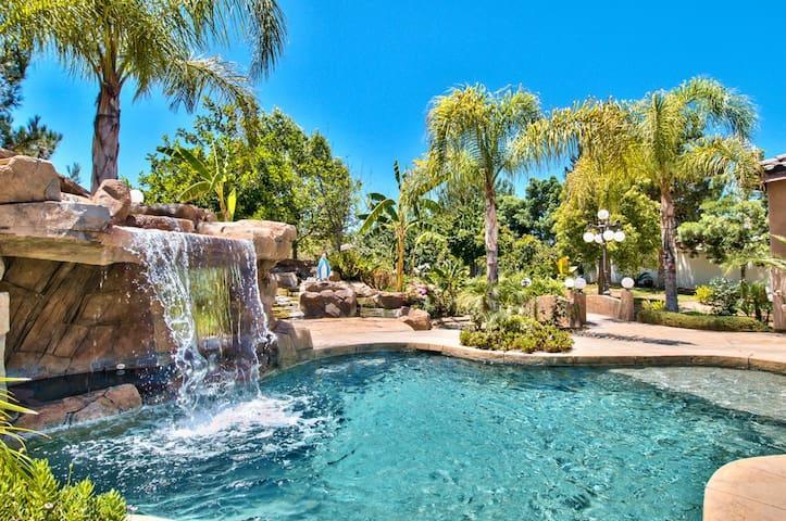 Private Family Ranch Estate Getaway! Pool, Spa,Gym