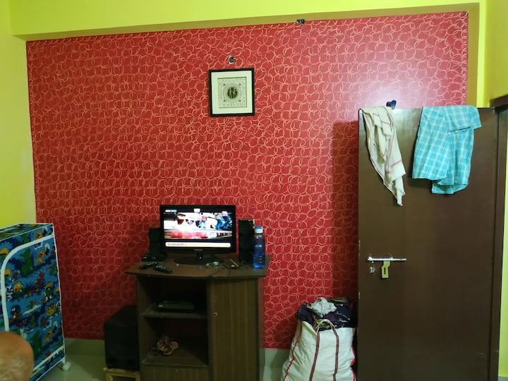 7 min frm Airport..homely stay at affordable price