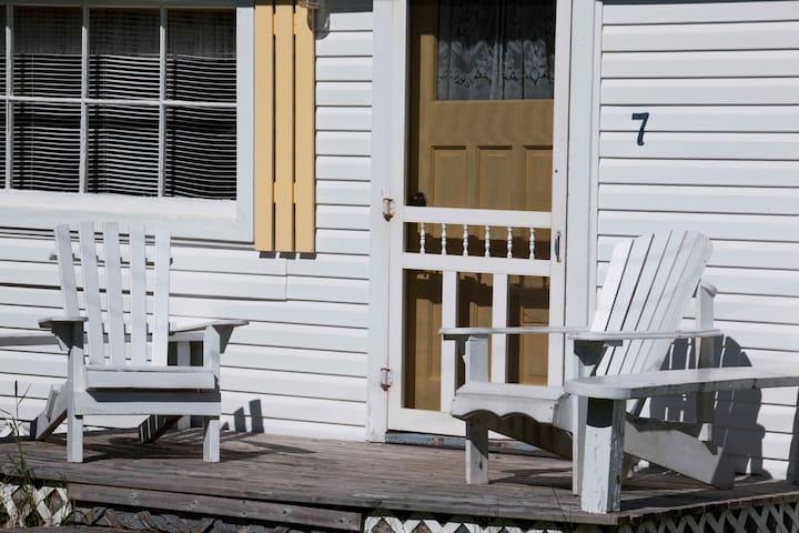Bayside Cottages - Cottage #7