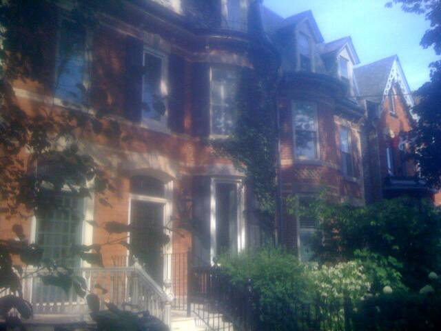 Apartment - Victorian house Central Toronto