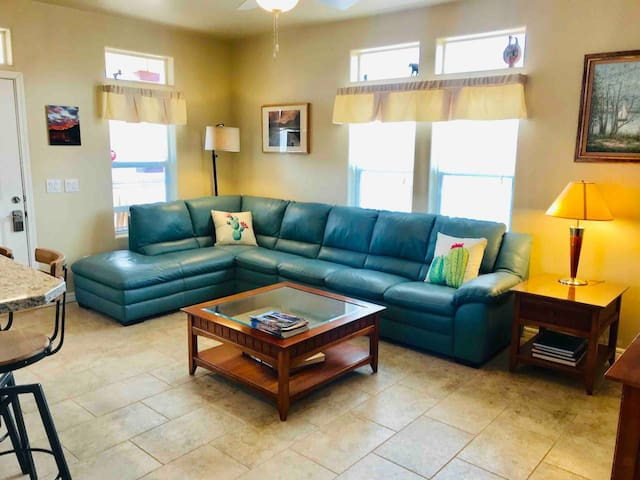 Newly remodeled: View  Vermillion Cliffs, pets ok,