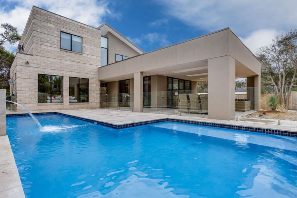 Munro street blairgowrie houses for rent in blairgowrie for Pool show on foxtel