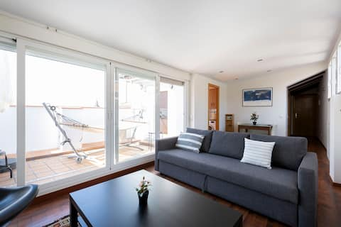 Top floor appartment with balcony and great views
