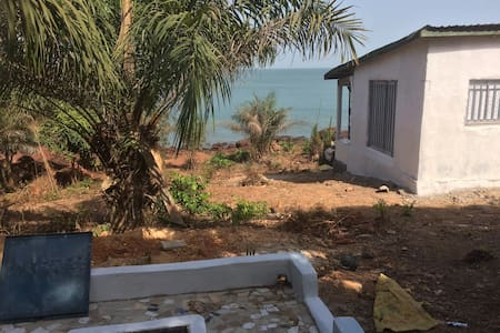Beachhouse  private bay  Isle de Los Kassa Guinee