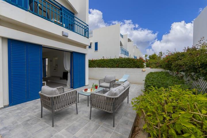 Villa Stef, Renovated 3 walk to Fig Tree Bay beach