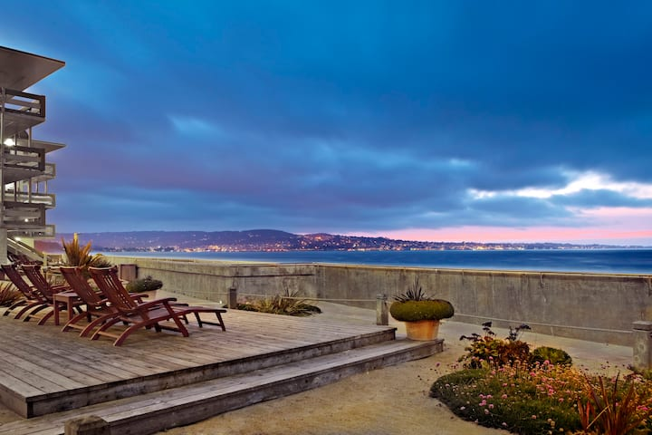 Beachfront 2 Bed Partial Ocean View-Monterey Tides