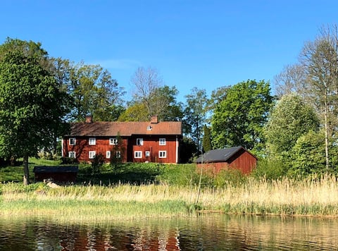 Lakeside apartment by Björksund Castle