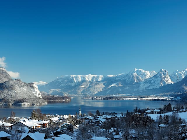 """Beautiful"" Lakeview Apartment, Wolfgangsee"