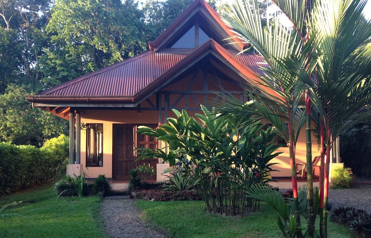 Private home w/concierge service next to Arenal! - La Fortuna - Casa