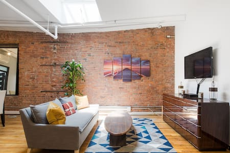 Comfy and Quiet Two Bedroom In Greenwich Village - New York