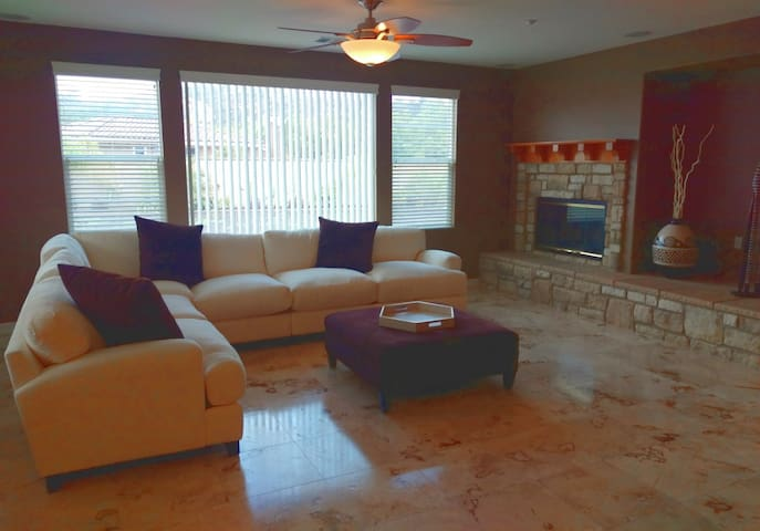 Gorgeous Room with Private Entrance & Bathroom - Valley Center - Casa