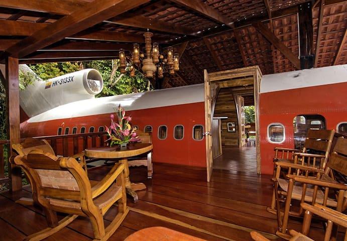 727 Jungle Plane in the Heart of Manuel Antonio