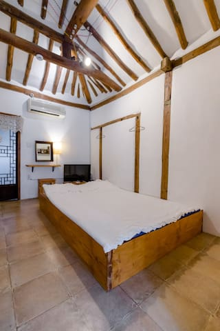 Sum Guest House in hanok village.Double room type