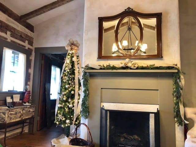When it's Christmas at Legacy Ranch, you & your guests will enjoy the magic of Christmas in the Dr. Okerholm Loghaus where each and every room has been decorated just for you!