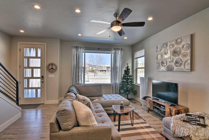 NEW! Townhome Near Mount Princeton 14er Trailhead!