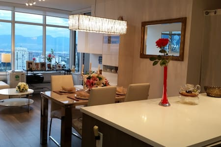 Metroplace 59 level modern building - Burnaby - Appartamento