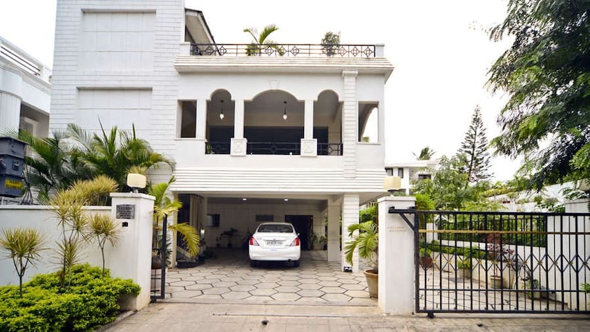 A/c Rooms with Wi-fi at Jubilee hills, Hyderabad - Hyderabad - Bed & Breakfast
