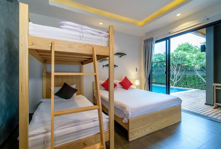 3rd bedroom pool view