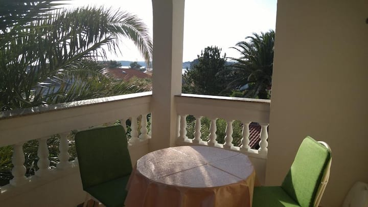 Studio flat with terrace and sea view Banjol, Rab (AS-16638-a)
