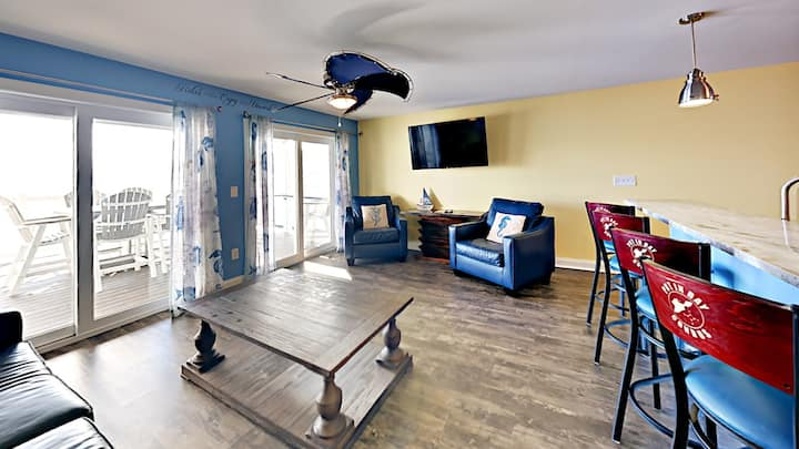 Put-in-Bay Lower Waterfront 12-person Condo