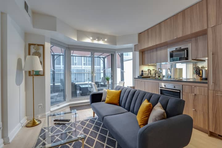 Yorkville Boutique Hotel suite with huge terrace