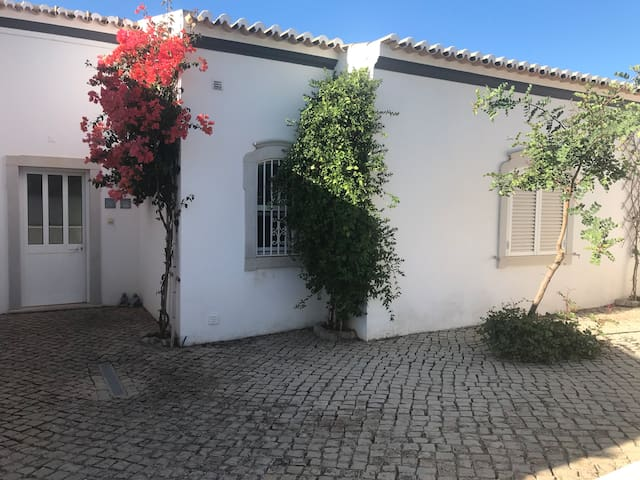 Characterful, large Villa Quinta do Malhao
