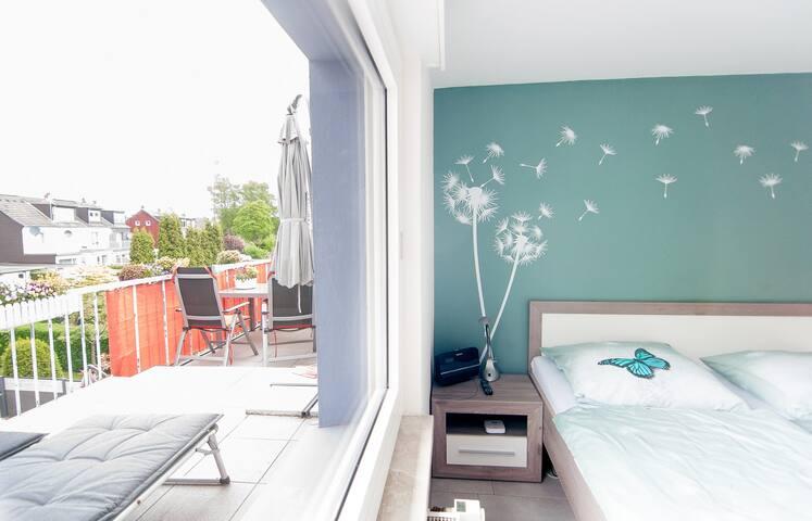 Schlafzimmer 1 mit Dachterrasse
