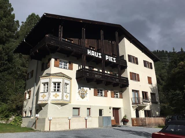 Room with an excellent location in St Anton am/A