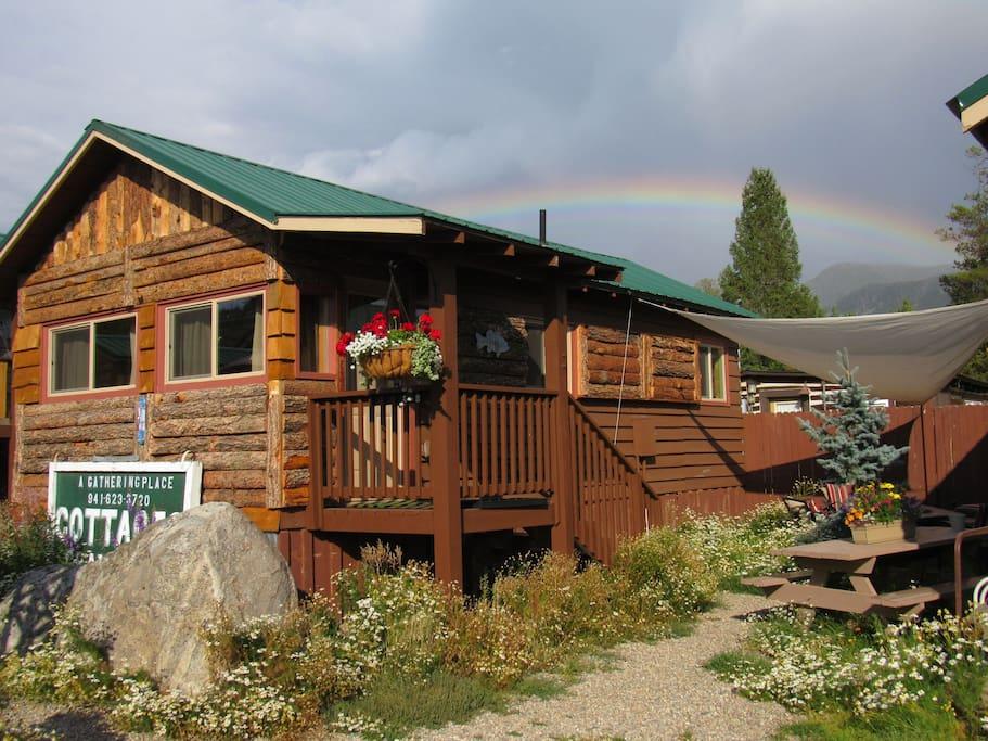 The angler cabin 5 lupine village at grand lake cabins for Grand lake cabins