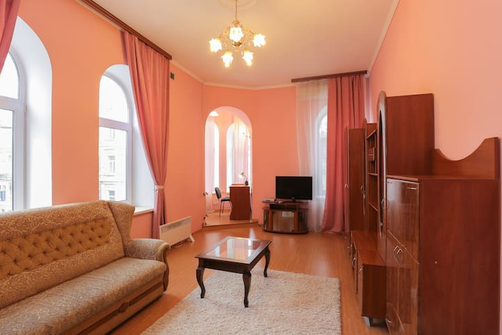 one-bedroom apt  between Maidan and St.Sophia