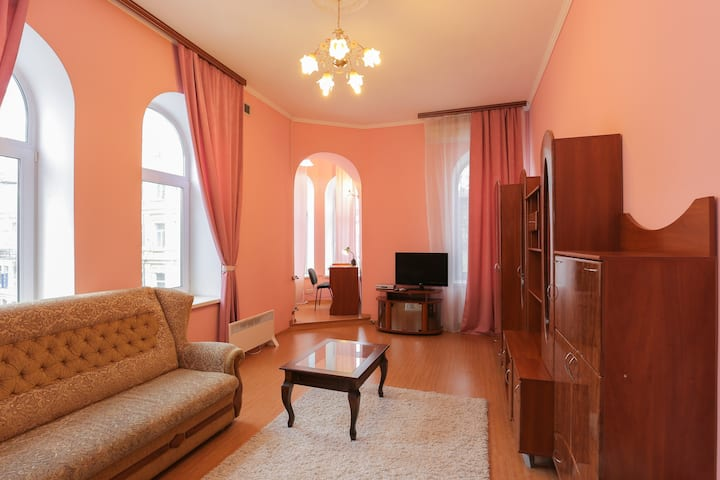 one-bedroom apt  on 13/6 Mala
