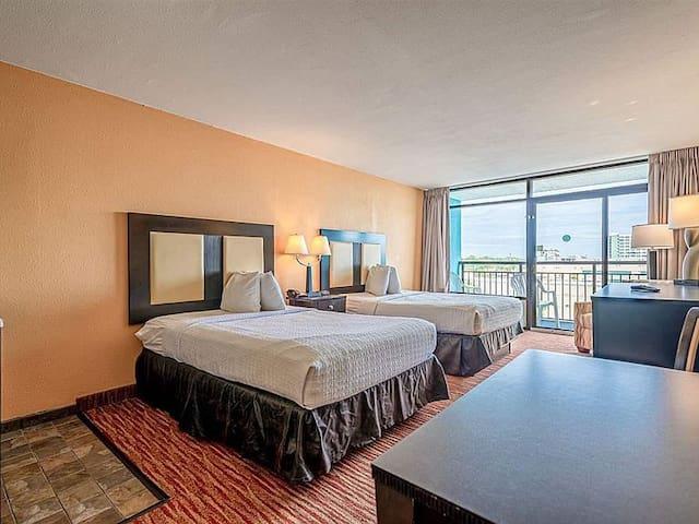 Queen Beds -Ocean view Landmark Resort