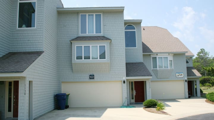 Renovated/Pet-Friendly OBX Rental - Close to Beach