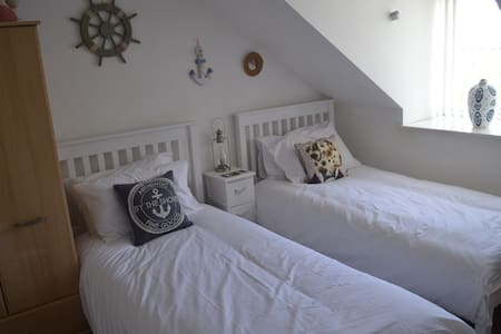 Robins Den at Success Cottage Whitby - Whitby - Hus