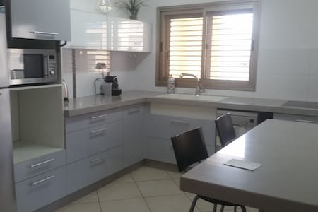 First location in the city center in Ashdod - Apartment