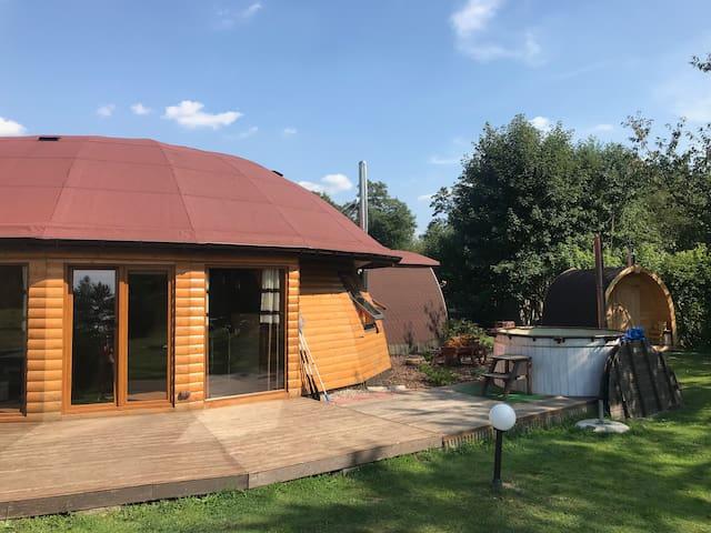 ROMANÓWKA- Okrągły dom z bala SPA sauna, jacuzzi!
